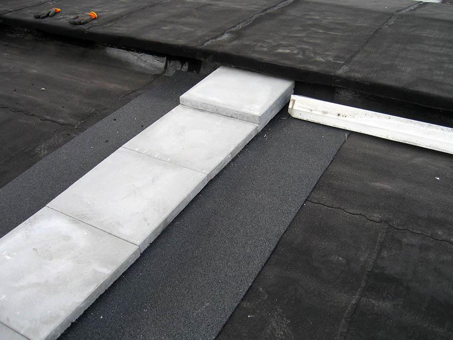 Abdeckung Brandwand über Dach